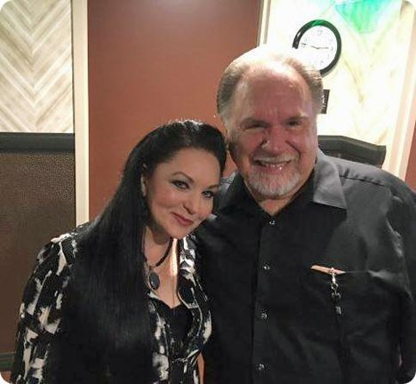 Crystal Gayle and Gene Watson at Ryman Auditorium in Nashville on Saturday 10 June 2017