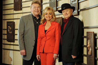 Roy Clark, Barbara Mandrell & Charlie McCoy / Inducted as members into Country Music Hall of Fame in Nashville on Sunday 17 May 2009